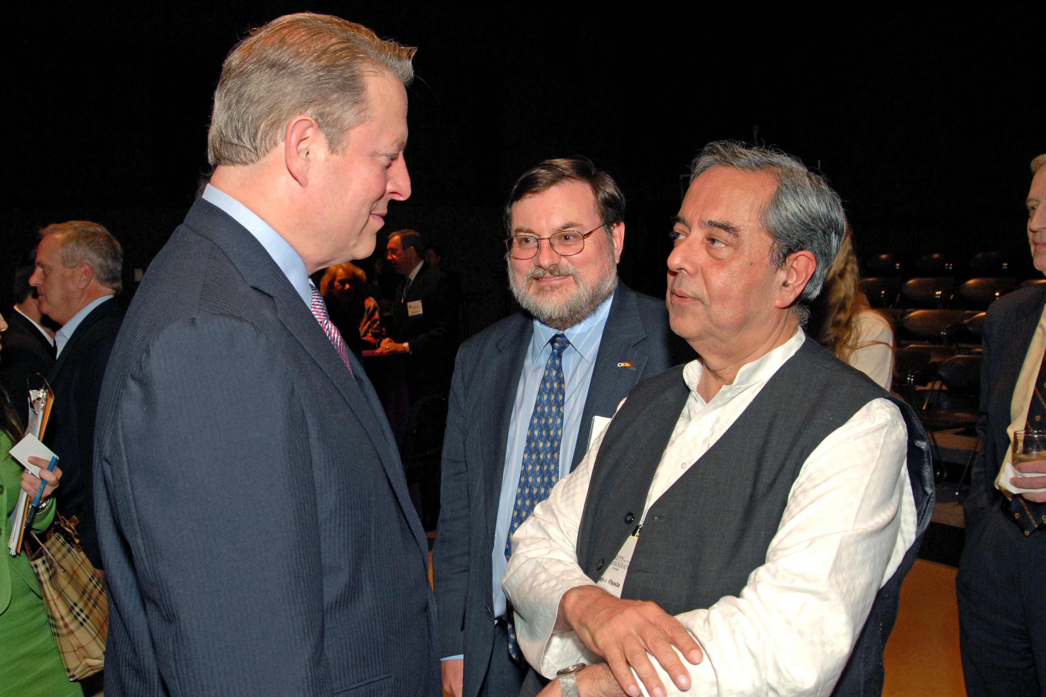 AK and Al Gore at Roger Revelle's 100th Anniversary 2.jpg